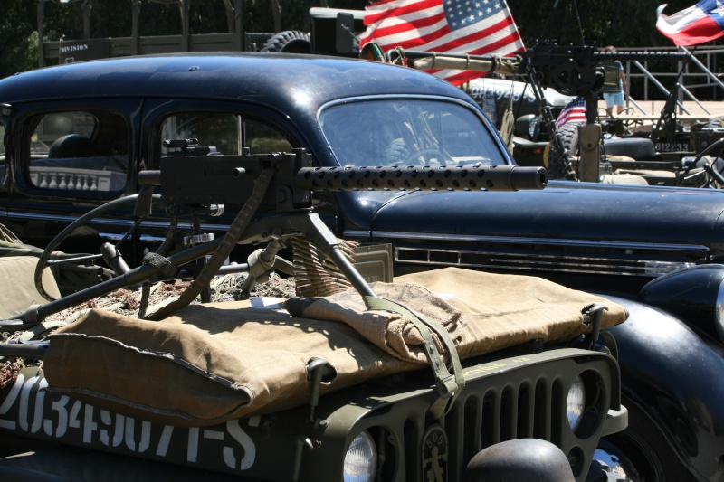 photos prie par mai soin de véhicule militaire ancien pour la fête de la libération du MUY Img_6029