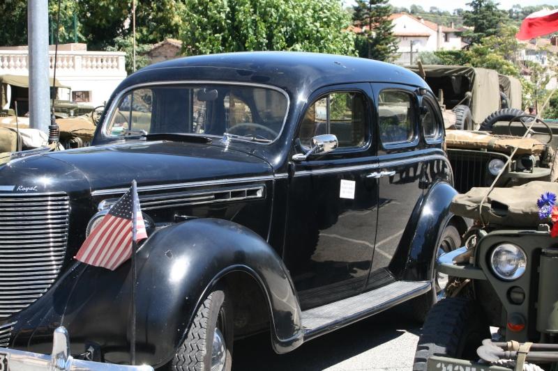 photos prie par mai soin de véhicule militaire ancien pour la fête de la libération du MUY Img_6032
