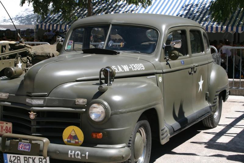 photos prie par mai soin de véhicule militaire ancien pour la fête de la libération du MUY Img_6034