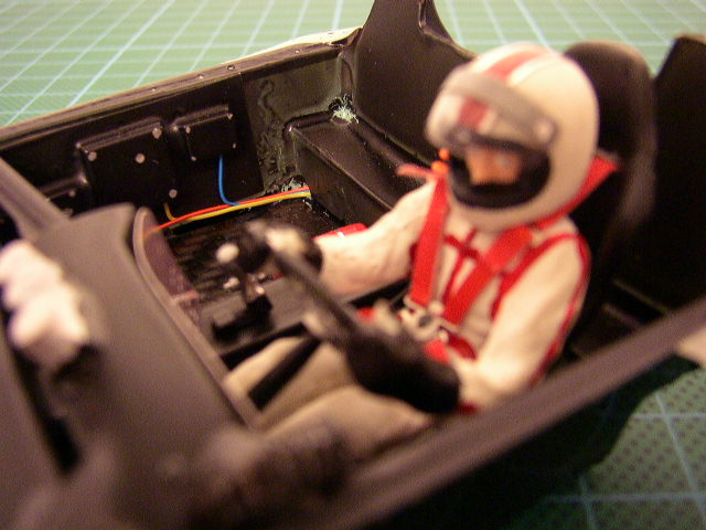 Slotracing im Maßstab 1:24  --> Cockpitbau P1010014