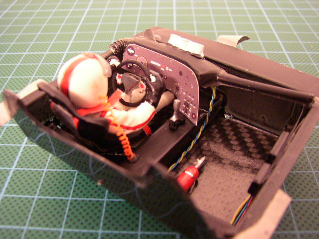 Slotracing im Maßstab 1:24  --> Cockpitbau P1010016
