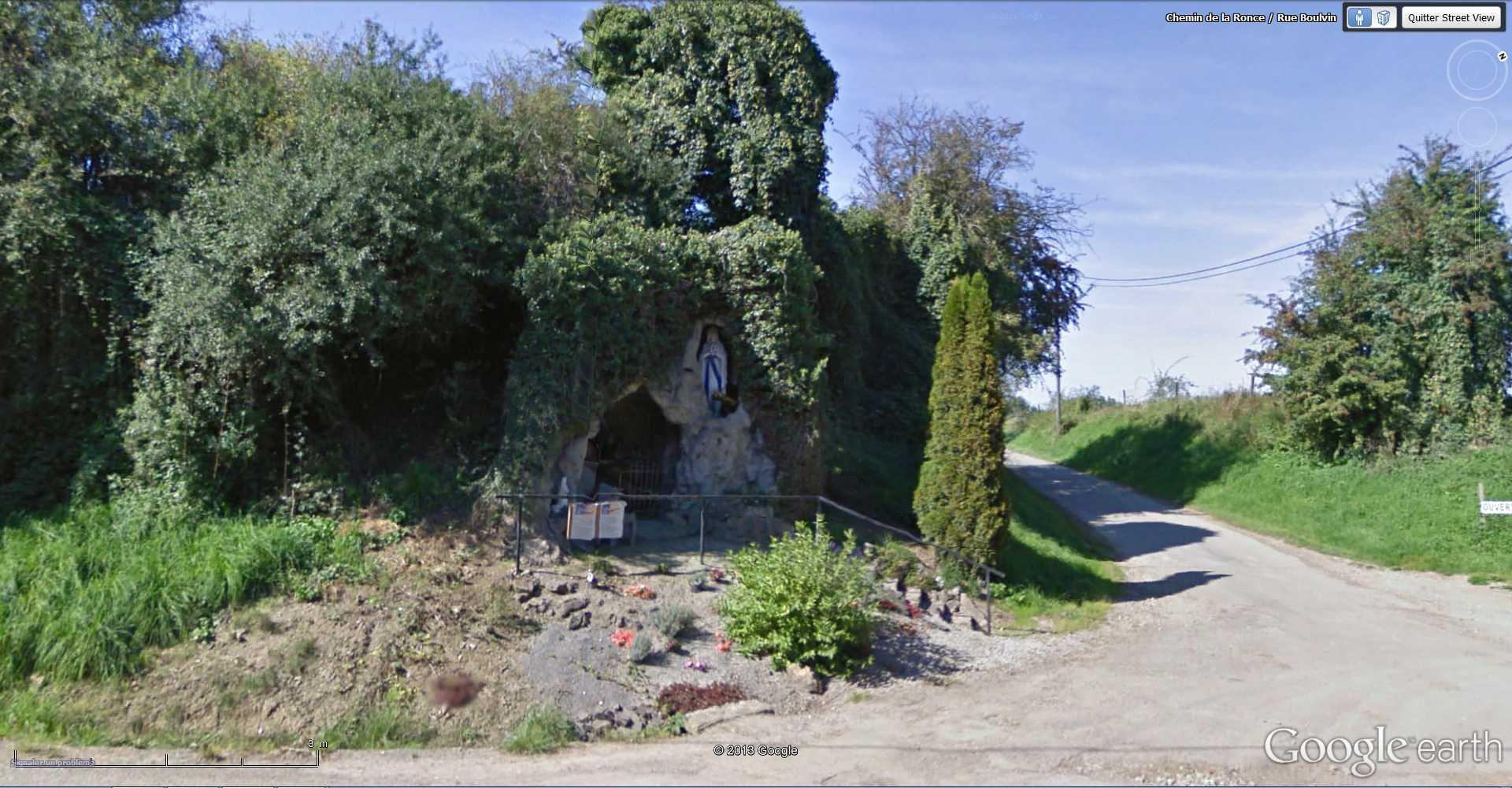 Les répliques de la grotte de Lourdes 2013-052