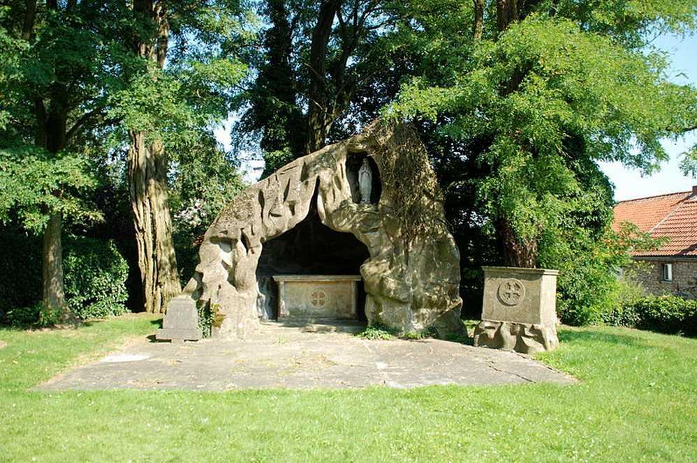 Les répliques de la grotte de Lourdes 2013-066