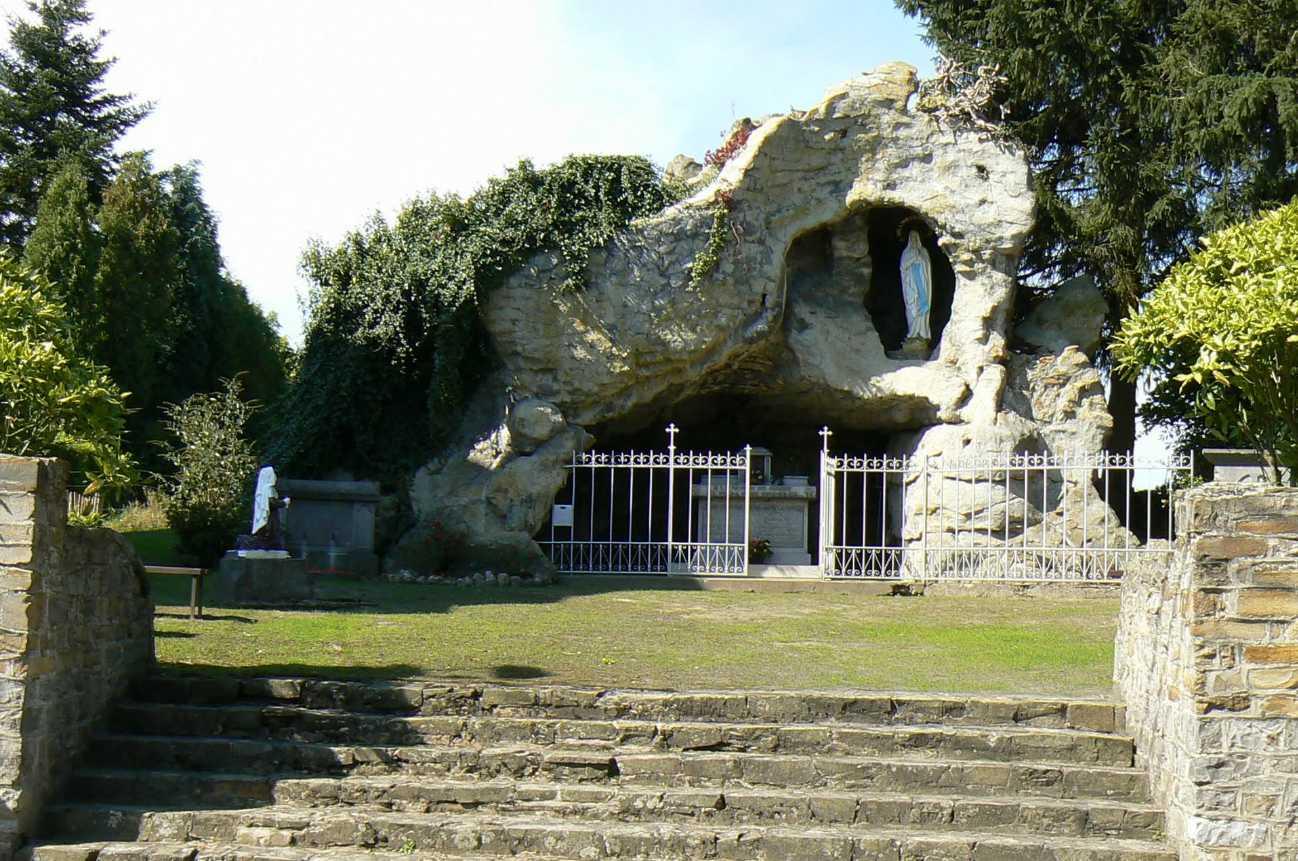 Les répliques de la grotte de Lourdes 2013-068