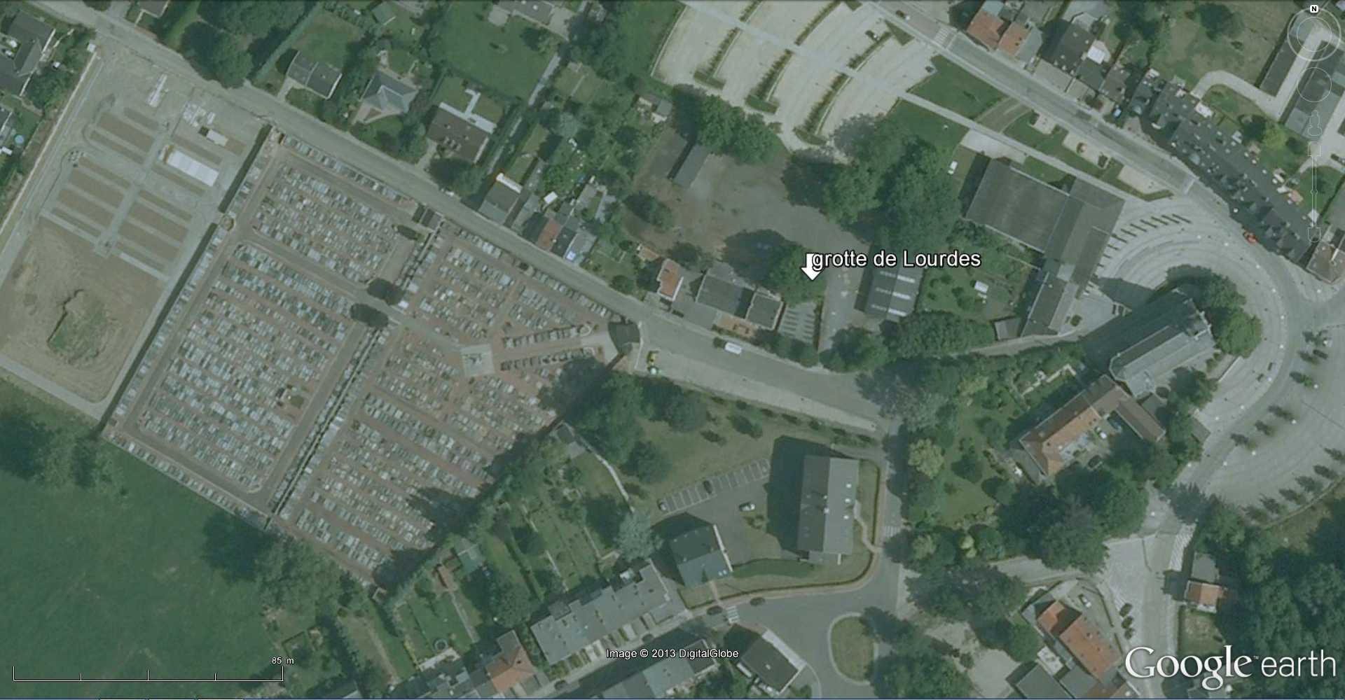 Les répliques de la grotte de Lourdes 2013-079