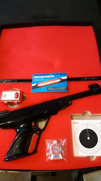 Pistolet air comprimé Manu Arm référence Manusport Cal. 4.5 en valisette 20210410