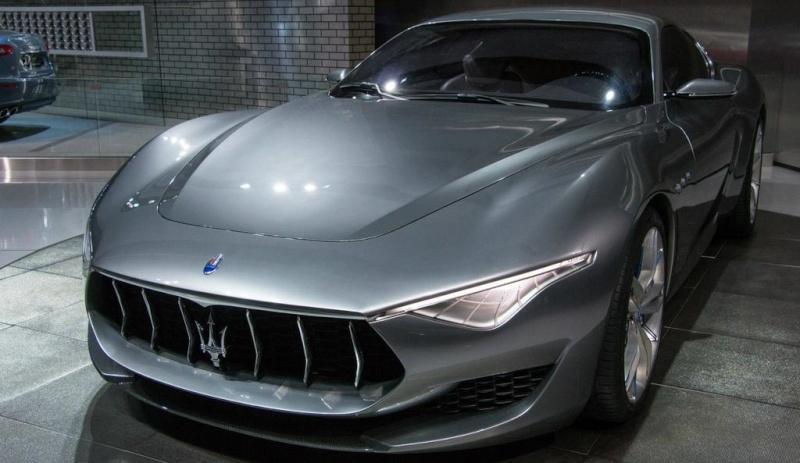 L'andamento del marchio Maserati sul mercato delle auto nuove 2015 Twitte10