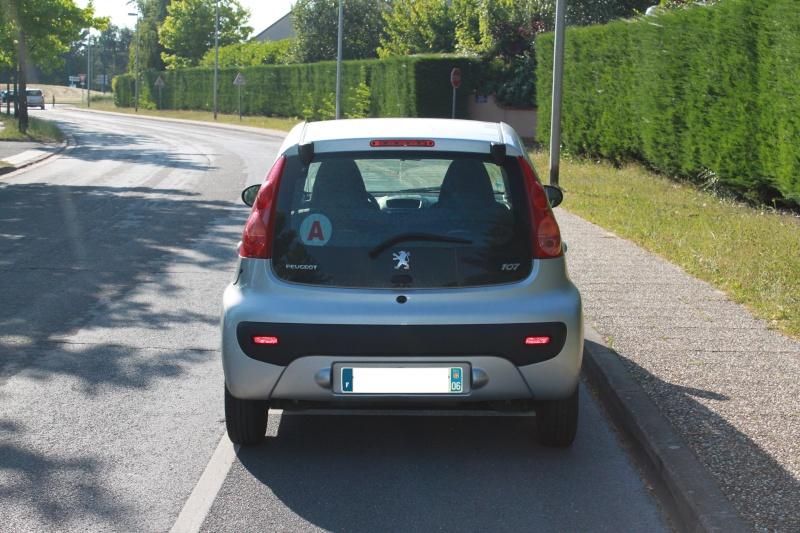 [VENDUE] Peugeot 107 Trendy 1.0L 5p gris alu 0611