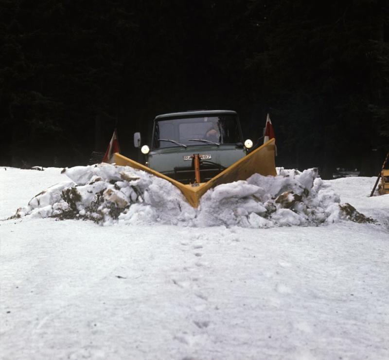 photos unimog chasse neige - Page 11 15318910