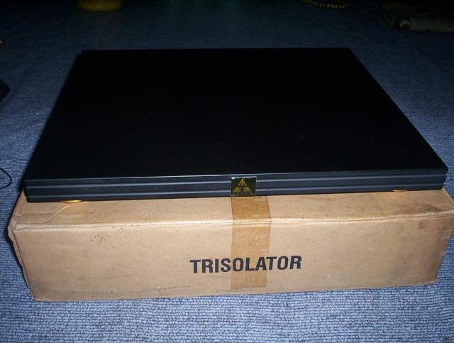 Lovan Trisolator vibration isolation platform (NOS) SOLD  Lovan_10