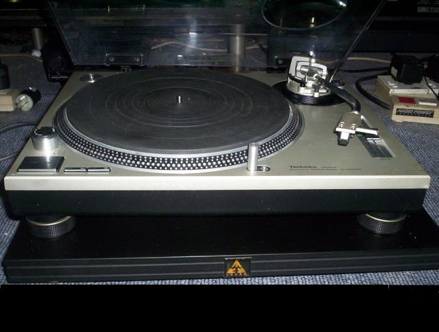 Technics SL1200 MKII Turntable (Used) Techni12