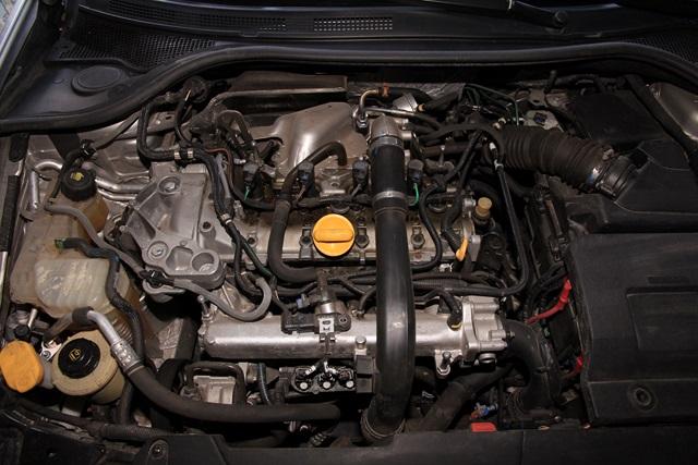 [Cyril GT] Laguna III.1 2.0T 205cv GT  Img_3342