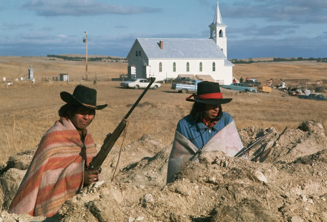 wounded - Wounded Knee 1890, mais aussi 1973. Usa-wo11