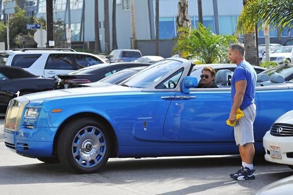 Johnny et sa  Rolls Royce bleue.. Johnny11