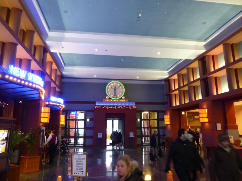 TR Séjour magiquissime au New-York Hôtel du 15/12/2014 au 19/12/2014 [Saison 5 - Épisode 4 partie 2 postée le 31 août 2015] - Page 2 P1040815