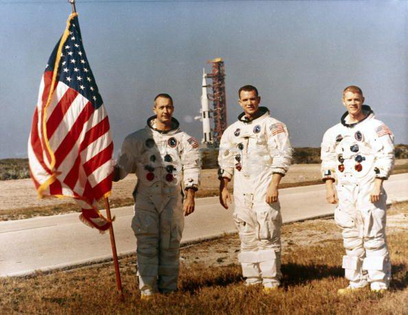 Photos rares et/ou originales, de préférence inédites sur le forum - Page 2 Apollo10