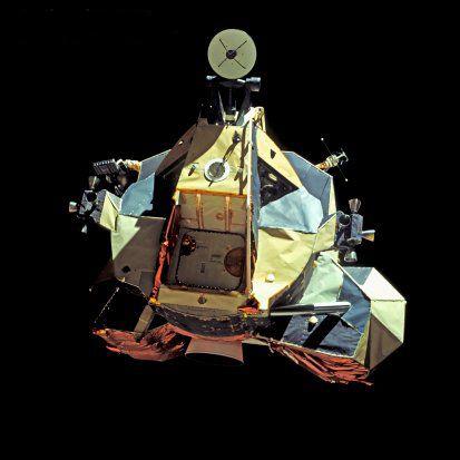 Photos rares et/ou originales, de préférence inédites sur le forum - Page 3 Apollo12