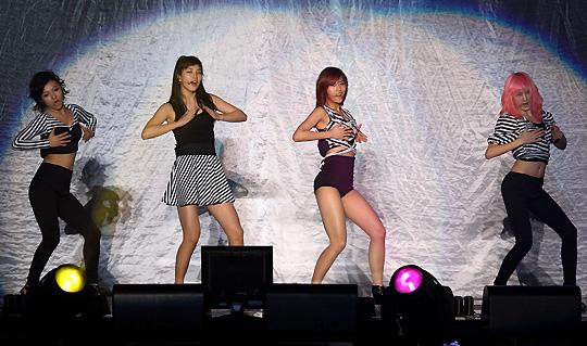 Miss A au concert des 2PM 54821528