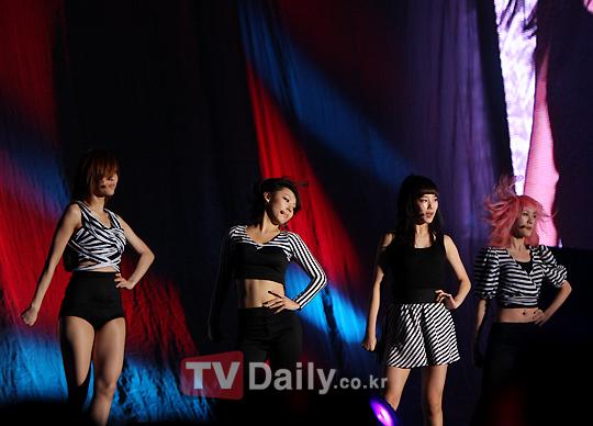 Miss A au concert des 2PM 54821529