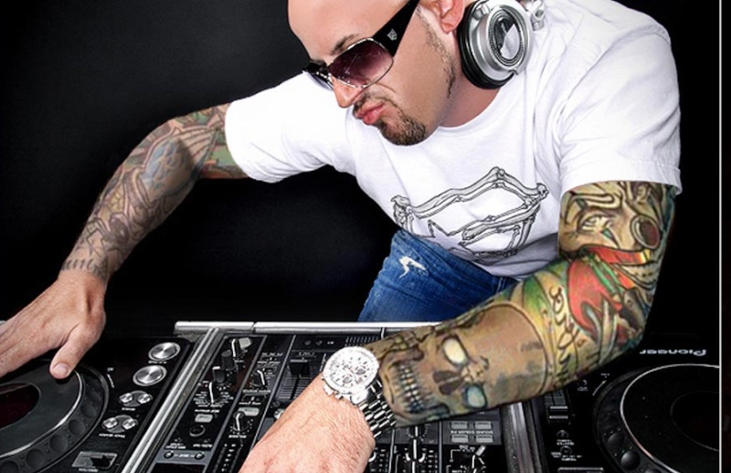 Shit DJ Pose Thread - Page 9 Djdouc10