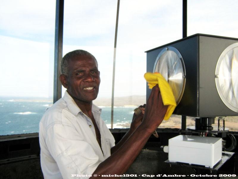[ Campagnes ] [ Divers ] MADAGASCAR - LA RÉUNION - LES COMORES LE CAP D'AMBRE - Page 2 M187_i10