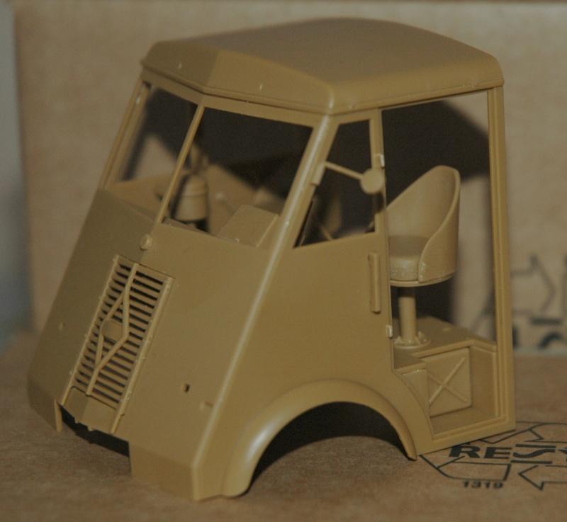 Le Renault AHN de chez ICM Dsc_0033