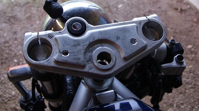 Changement de guidon sur Skorpion 660 T411
