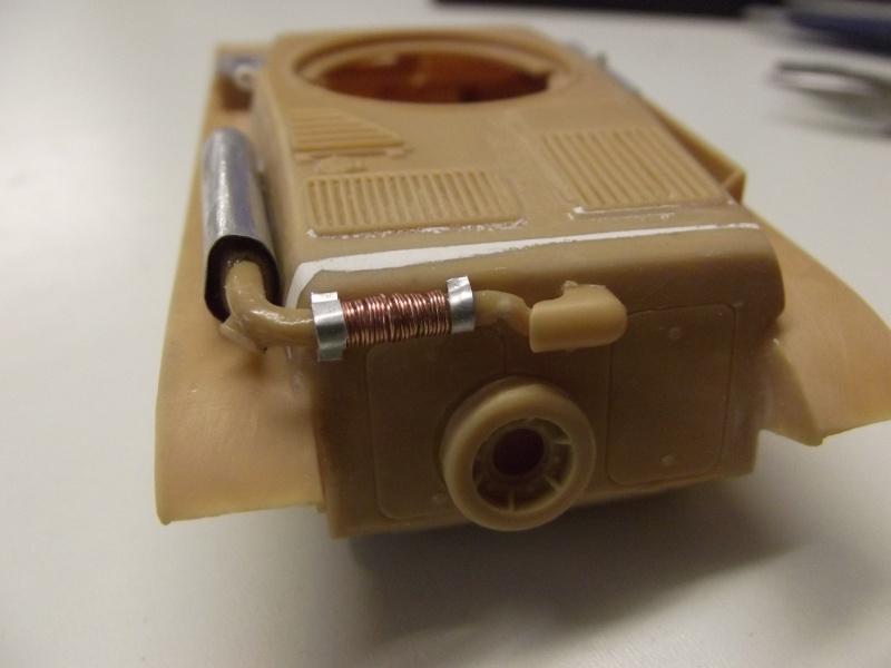 renault r35 +canon de 25 au 1/35 heller  Dscf6219