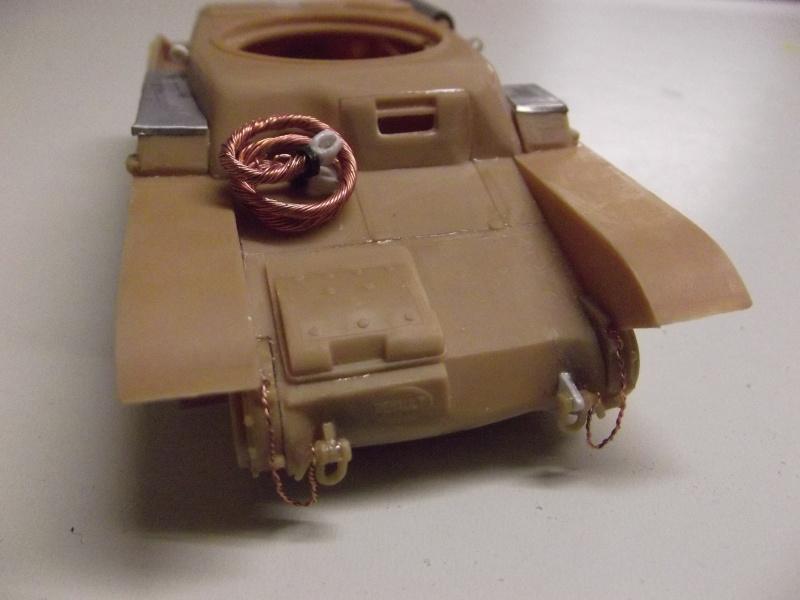 renault r35 +canon de 25 au 1/35 heller  Dscf6223