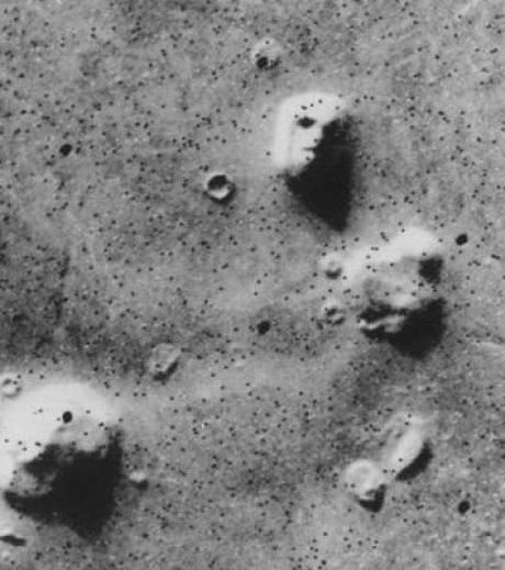 Mars : pas de visage humain sculpté à sa surface Le-vis10