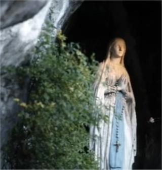 Neuvaine à Notre-Dame* de Lourdes Nd_de_10