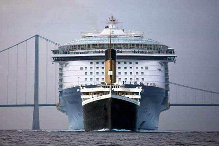 The TITANIC vs. The 'ALLURE of the SEAS'  Att00015