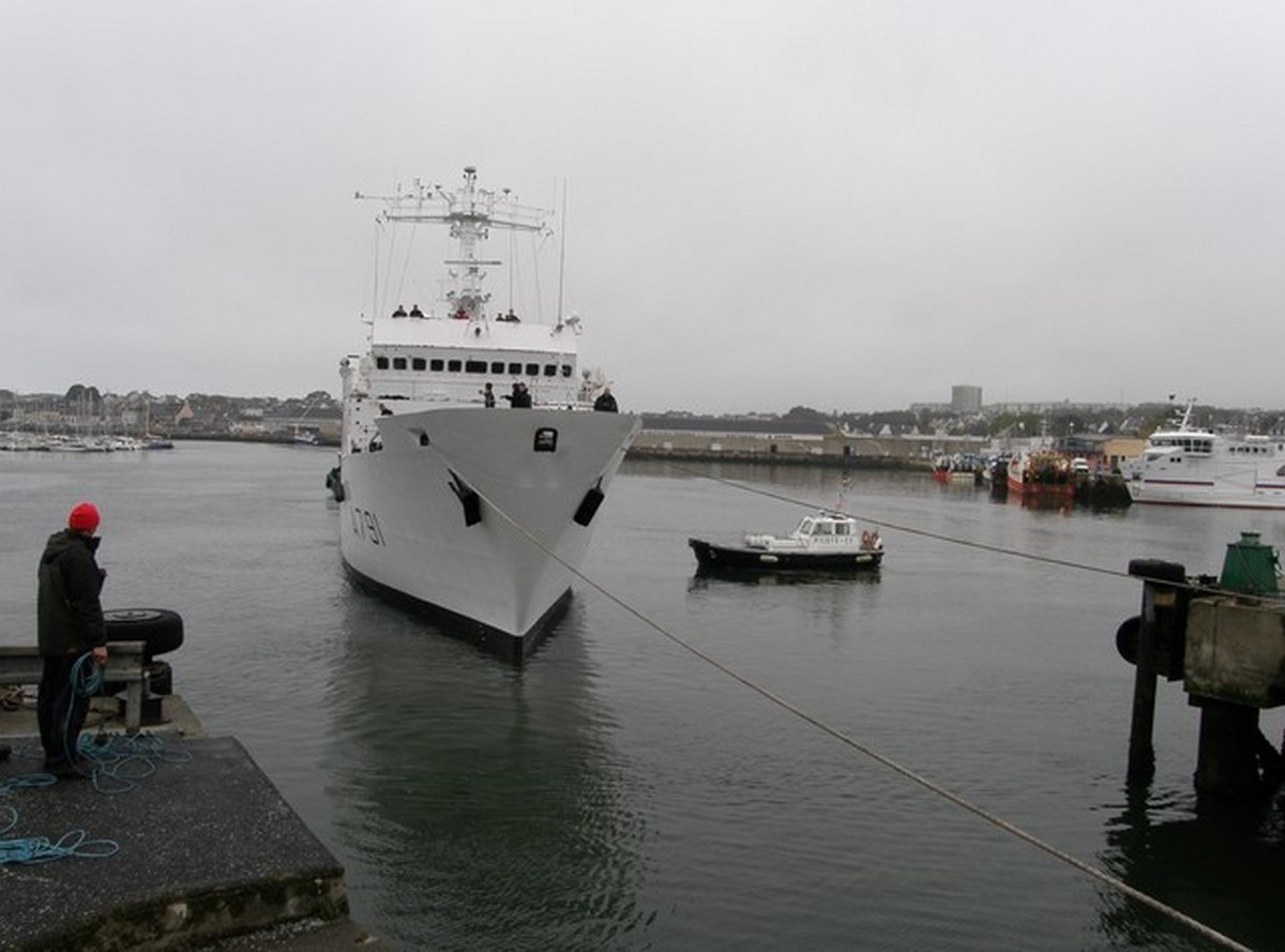 LE PORT DE CONCARNEAU - Volume 003 13130