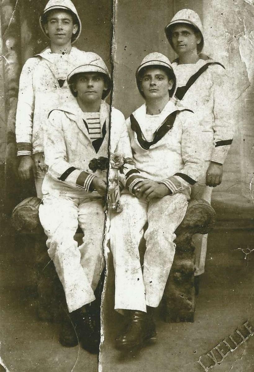 [Les traditions dans la Marine] Mariage en tenue - Page 3 231