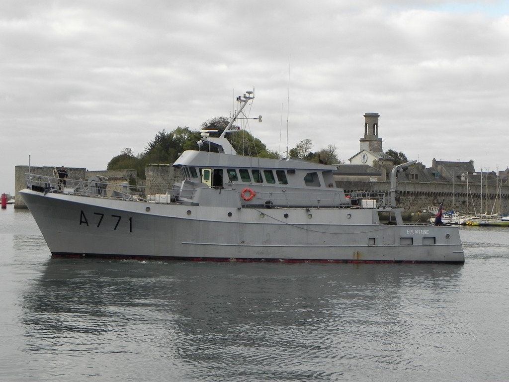 LE PORT DE CONCARNEAU - Volume 004 4235