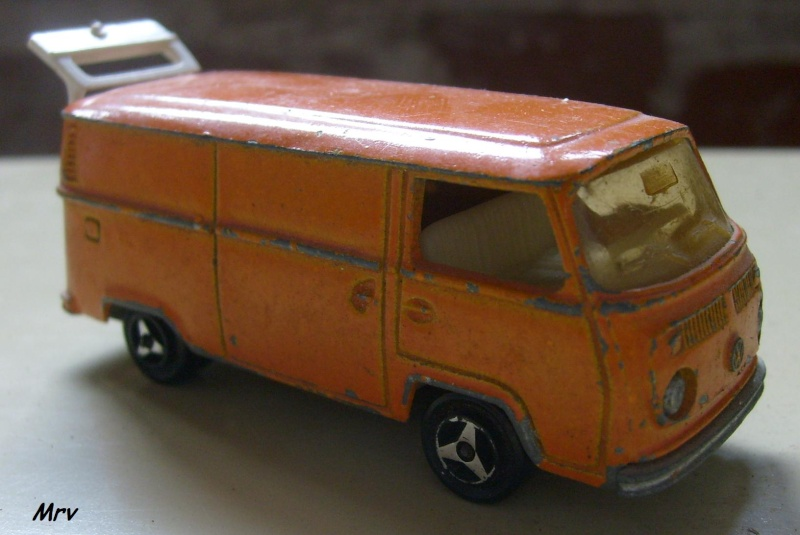 N°226 Volkswagen Fourgon Tolé 00_s6311