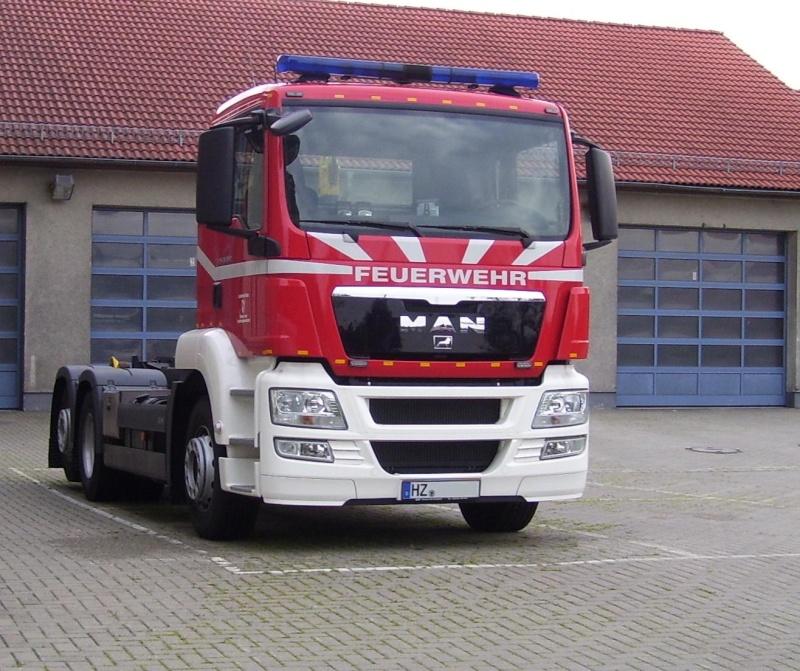 Fahrzeug für Abrollbehälter (Feuerwehr) 102_1312