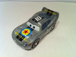 [recensement] Lightning McQueen Pixar Motorama - Page 4 Motora11