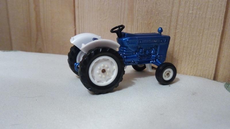 N°253 Tracteur Ford 5000 Img_2188