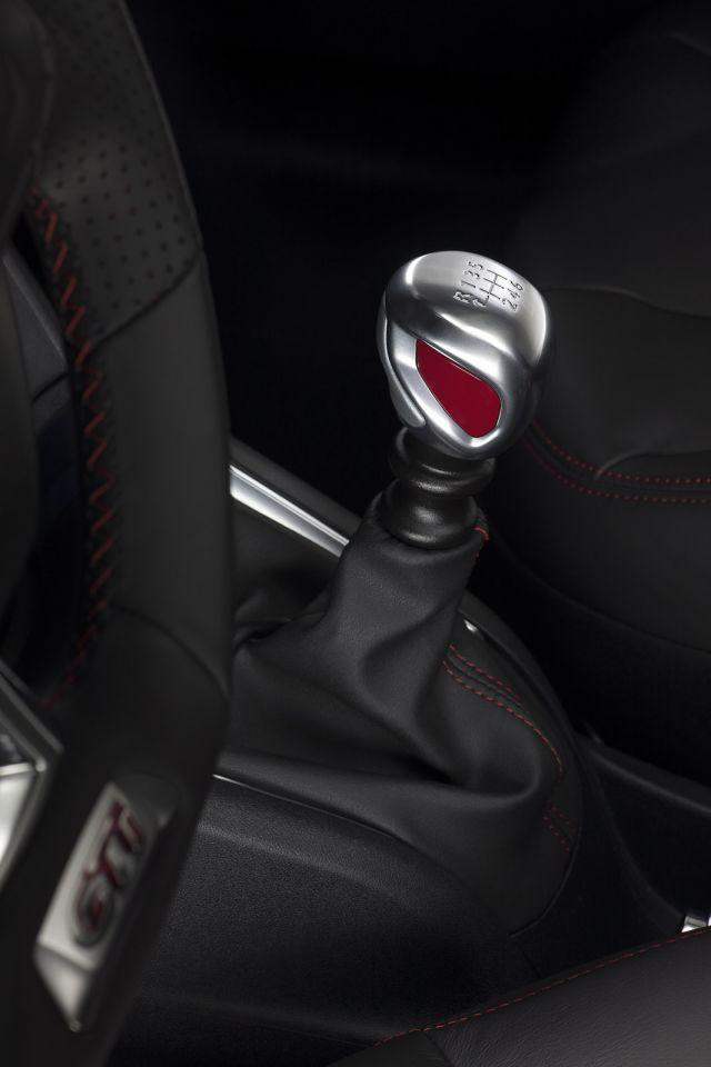 [Despoto] laguna III.1 coupé DCI 150 WHITE Edition Peugeo10