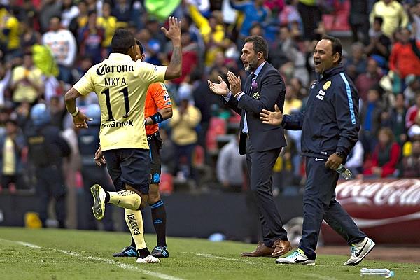 América 1-0 Santos - Pudieron ser más, pero América se lleva la victoria en el Azteca. Michae10