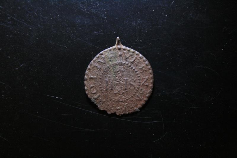 Médaille de St Benoît avec bélière inversée - fin XVIIème ? / plutôt début XVIIIème Img_2418