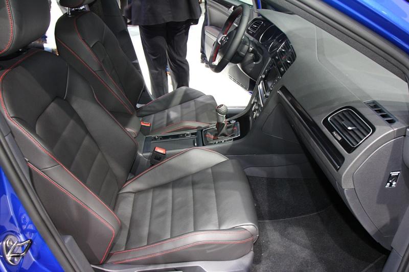 Golf 7 GTI - 05 mars présentation officielle au Salon de Genève 2013 (1/2) Img_9413