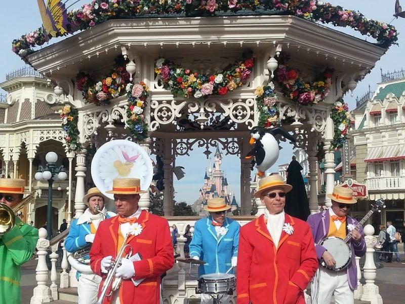 Festival du Printemps du 1er mars au 31 mai 2015 - Disneyland Park  - Page 10 11051810