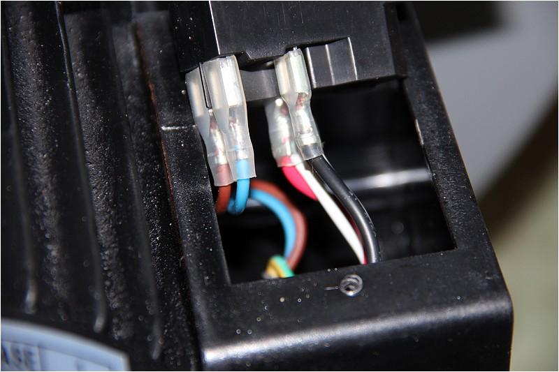Comment câbler pour n'avoir qu'une prise de courant? Img_0615