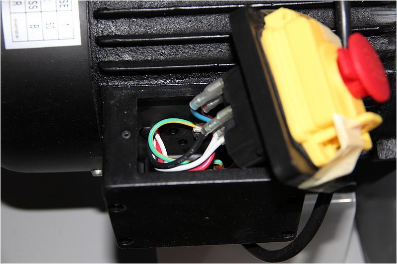 Comment câbler pour n'avoir qu'une prise de courant? Img_0616