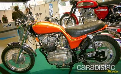 Oh ....  quelle drôle de moto !?!... Triump11