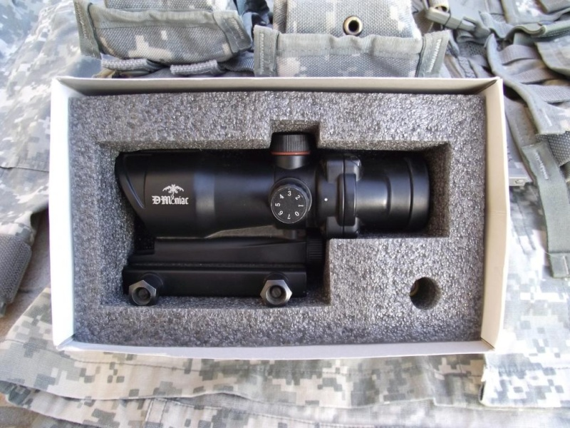 SCAR l EGLM ARES/AGOG/BDU ACU/MASQUE A GAZ/SANGLE/X800 ..... Dscf0427
