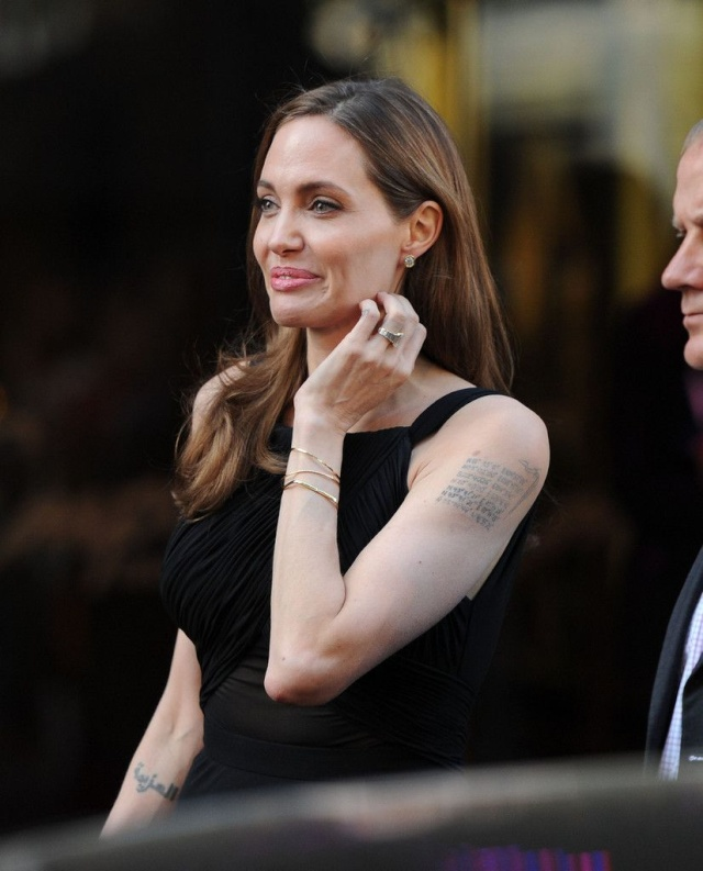 Brad and Angelina at World War Z Premiere..Leicester Square, London..June 2nd, 2013 - Page 4 00122910