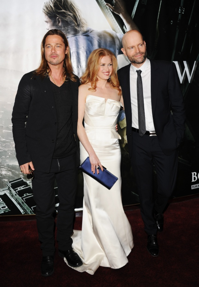 Brad and Angelina at World War Z Premiere..Leicester Square, London..June 2nd, 2013 - Page 4 00410